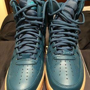Shoes - Nike Air Force 1 hi Sz 10.5 in women 9 in men.